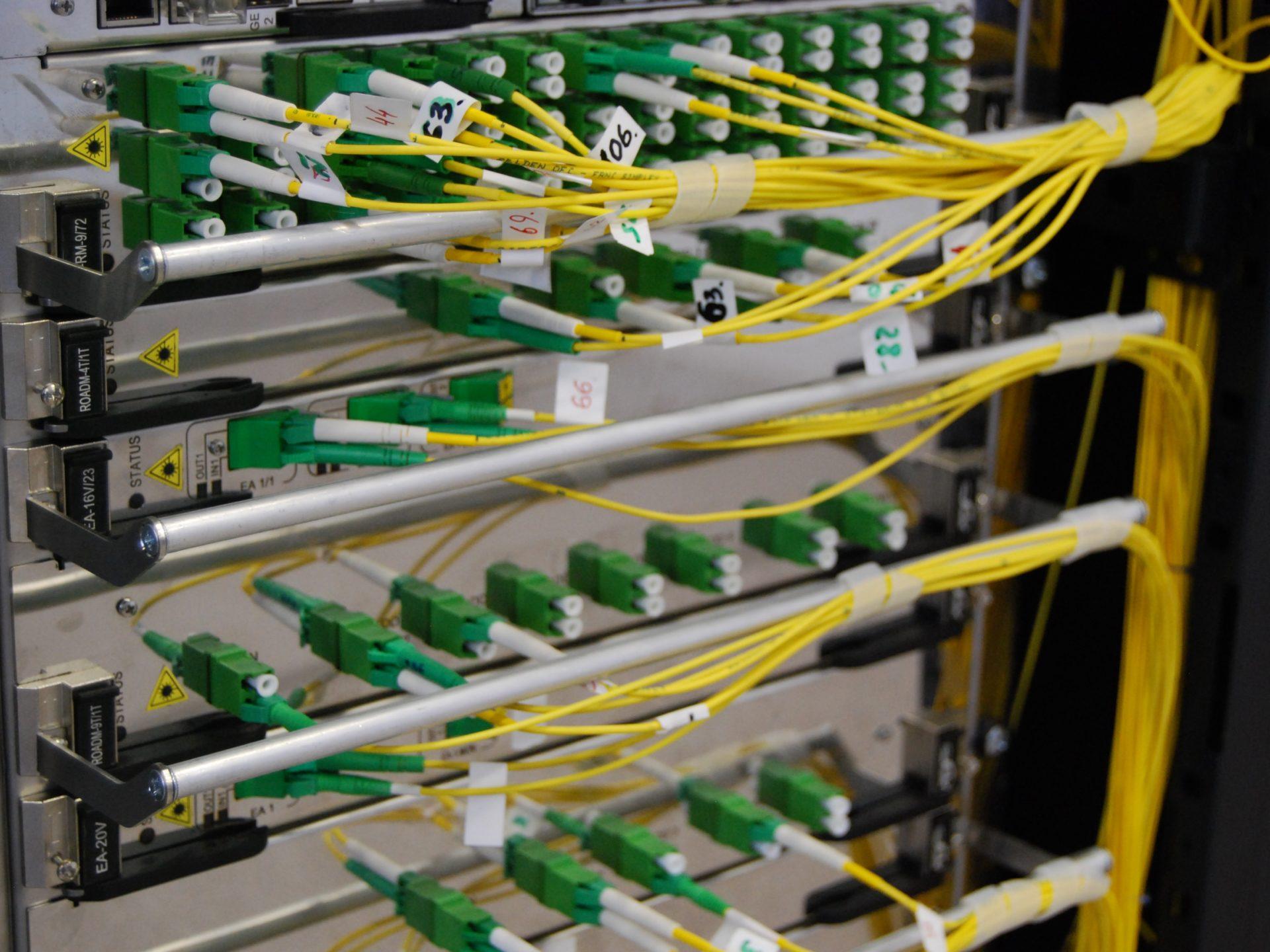 Працівник на виробництво кабелів